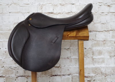 Black Country Quantum Jump Saddle