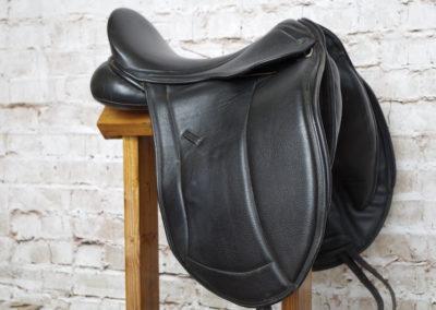 "Silhouette Monoflap Dressage 17.5"""
